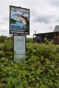 Sea Trout Inn Wegweiser