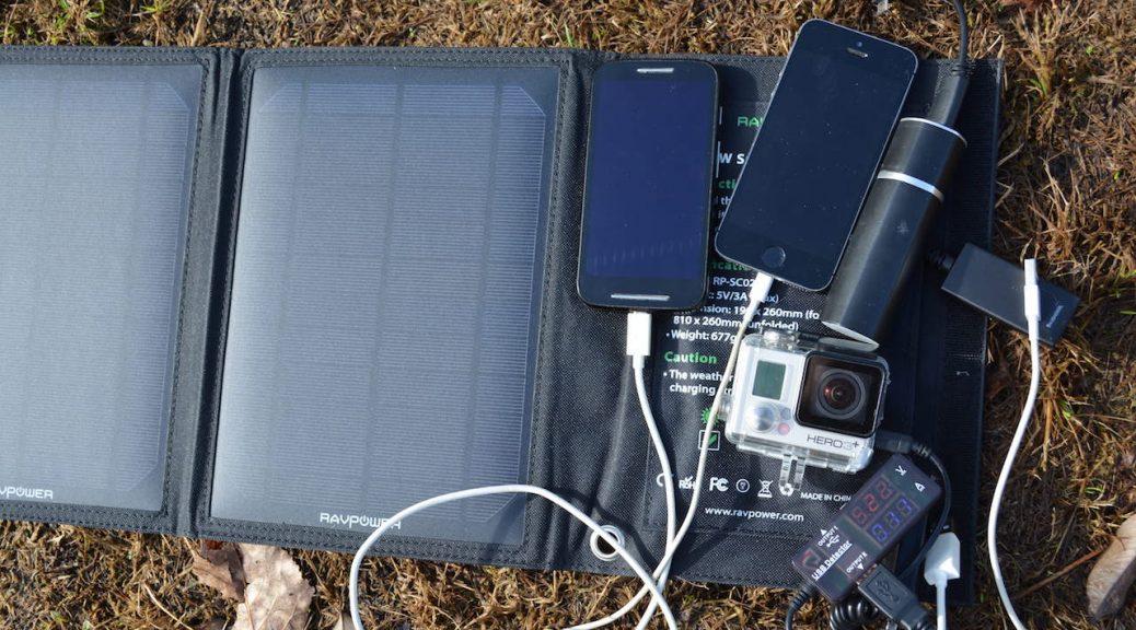 Solar betriebenes Ladegerät für Smartphones, GoPro, Akkus